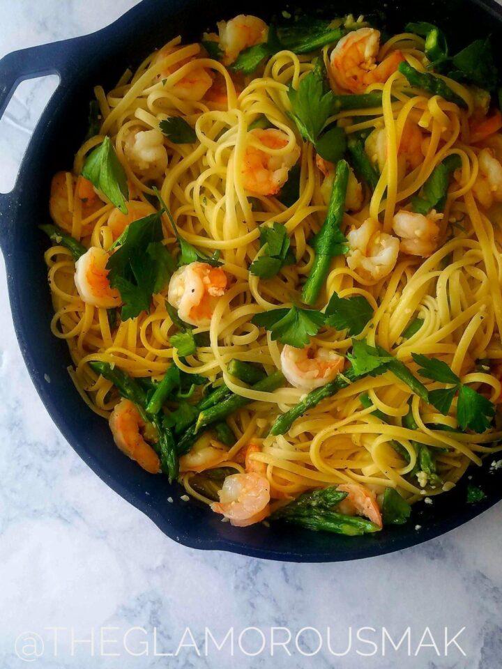 Garlicky shrimp pasta theglamorousmak.com